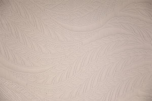 白色经典树叶针织空气层